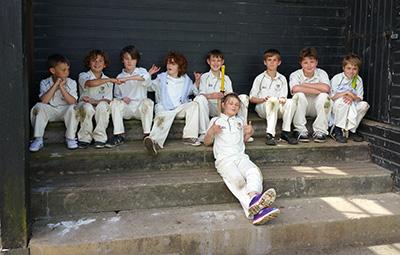 juniors-in-stand